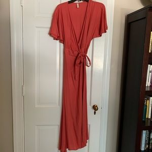 Dresses & Skirts - Coral wrap dress